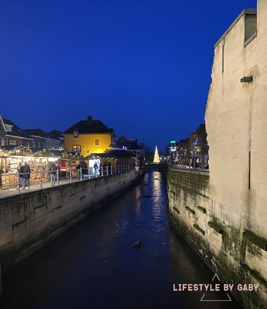Valkenburg by night