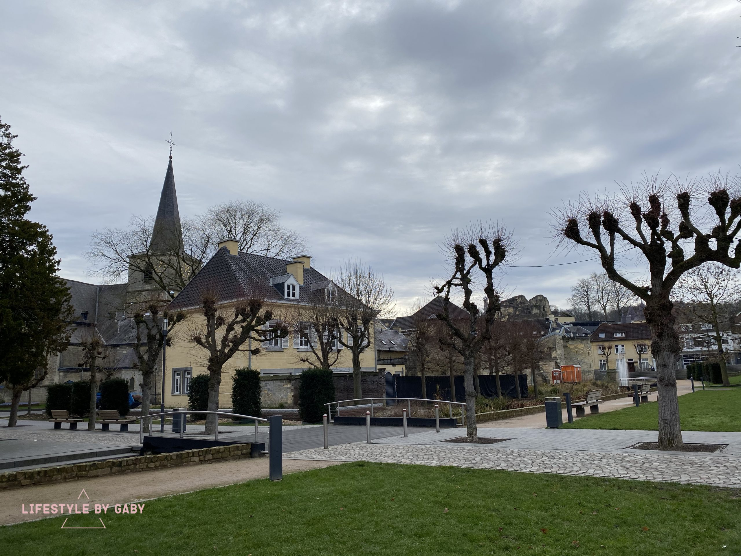 A trip to Valkenburg for 2 days.