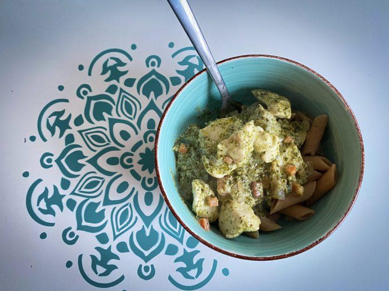 Lekkere pasta met romige pestosaus