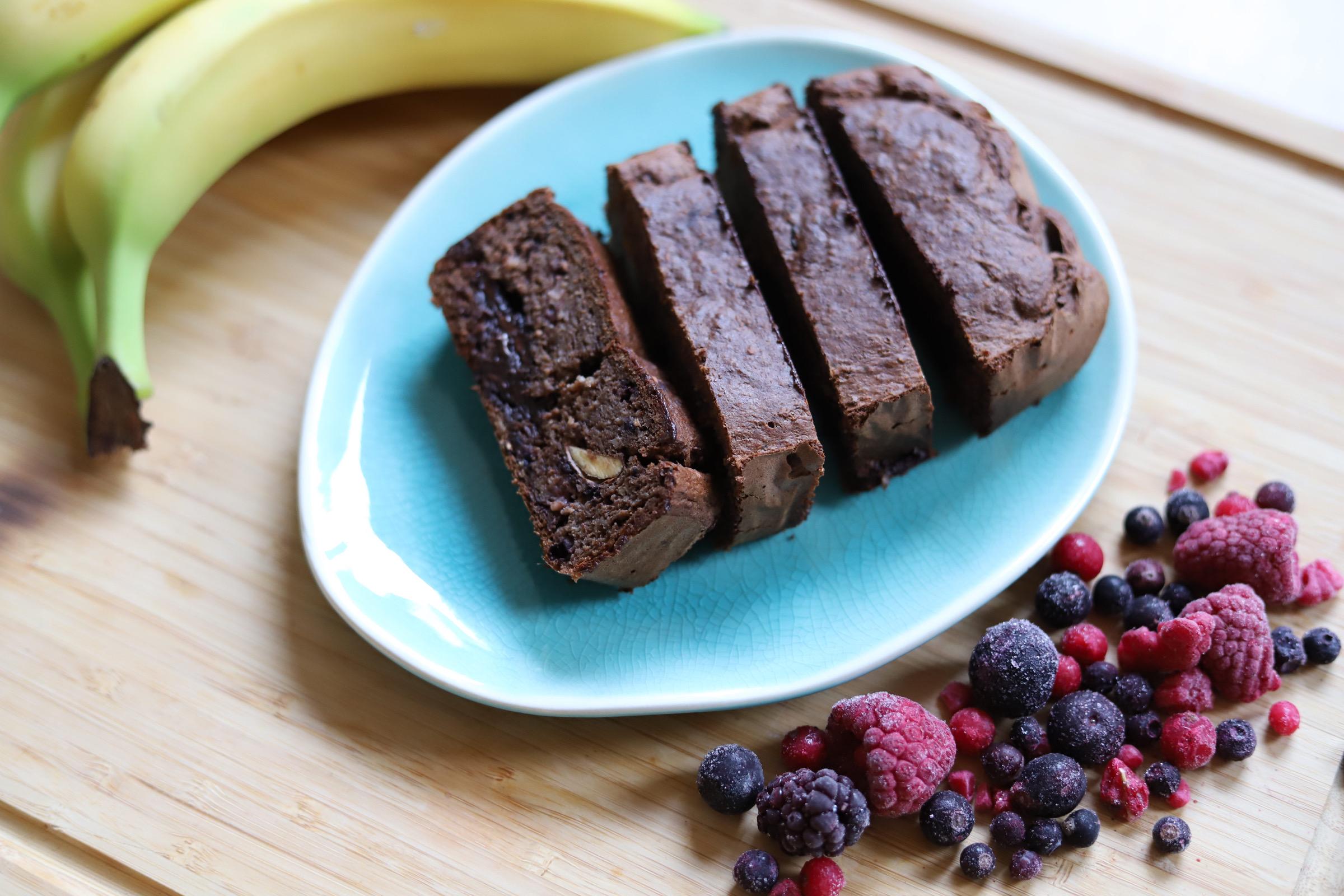 Gezond bananenbrood met bosbessen en pure chocolade